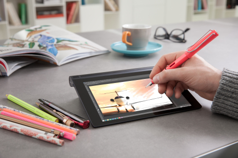 YOGA Tablet 2 with AnyPen (Photo: Business Wire)