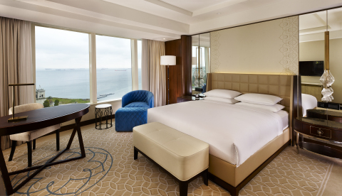 Hyatt Regency Istanbul Atakoy features 284 spacious guest rooms, including 30 suites with panoramic views of the vibrant city and the Marmara Sea. (Photo: Business Wire)