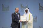 Al Gore riceve il Lifetime Achievement Award (premio alla carriera) di Zayed Future Energy Prize 2015