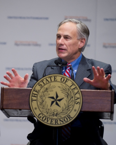 Texas Gov. Abbott discusses the United Health Foundation grant's positive impact on underserved communities with the assembled crowd of legislators and guests attending the Rio Grande Valley Legislative Tour (Photo: UTRGV).