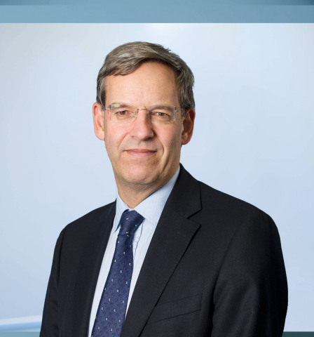 George Fairweather was appointed by Walgreens Boots Alliance, Inc. as executive vice president and global chief financial officer, effective 20 February 2015 (Photo: Business Wire)