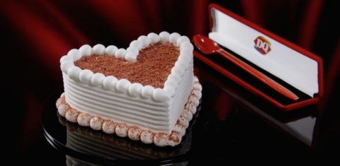 Cupid Cake and Red Velvet Spoon Case (Photo: Business Wire)