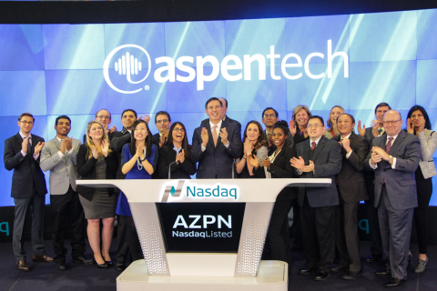 AspenTech employees ring the Nasdaq closing bell (Photo: Business Wire)