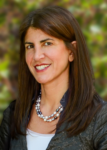 Nahla Azmy joins Alcoa as Vice President, Investor Relations. (Photo: Business Wire)