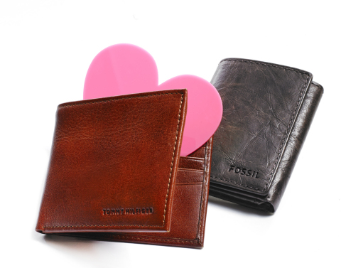 Shop for last-minute Valentine's Day gifts at Macy's for your sweet someone: Men's Wallets (Tommy Hilfiger and Fossil) - $40-$48 (Photo: Business Wire)