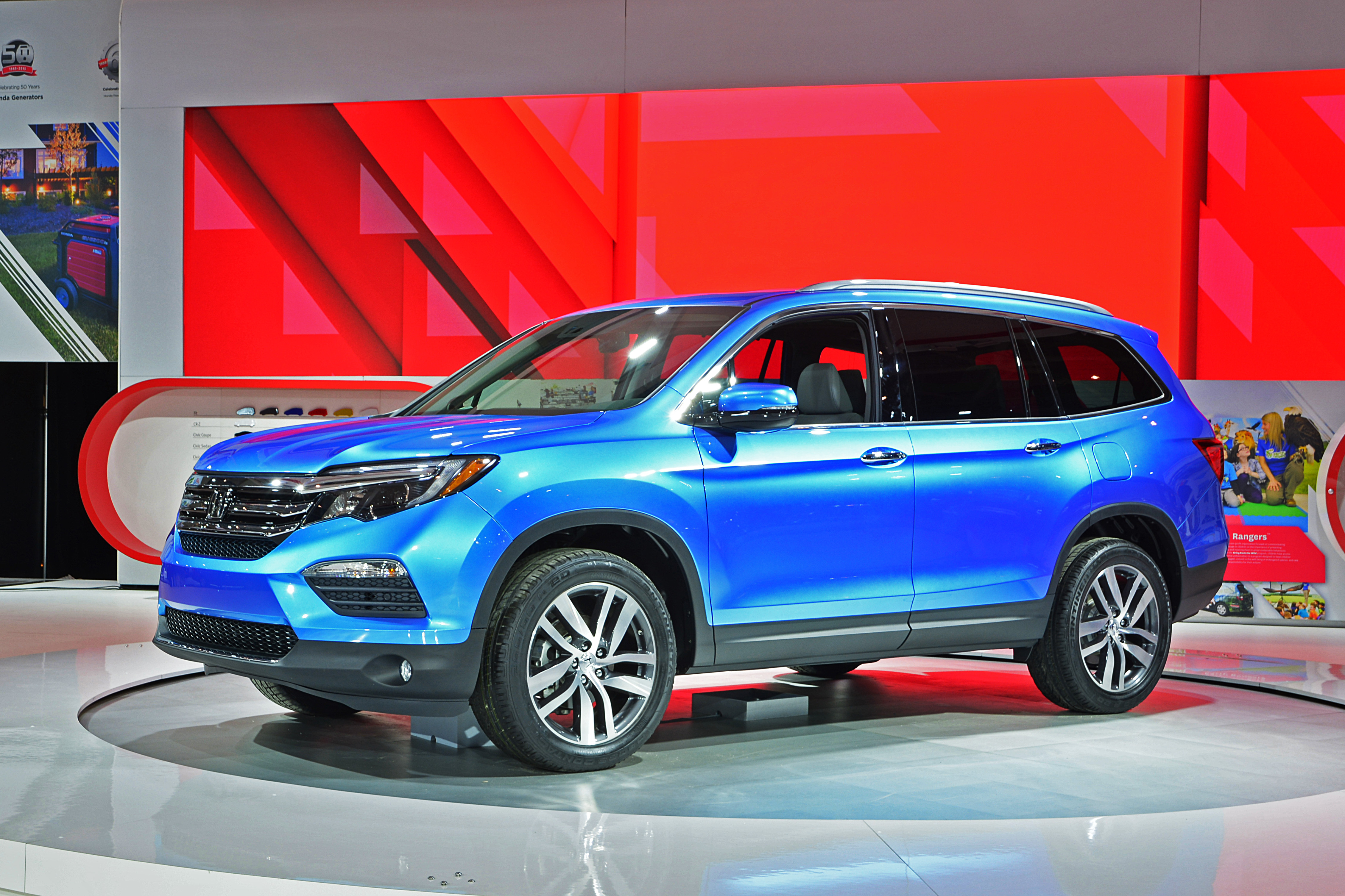 all new 2016 honda pilot makes canadian debut and redefines the intermediate three row suv at. Black Bedroom Furniture Sets. Home Design Ideas