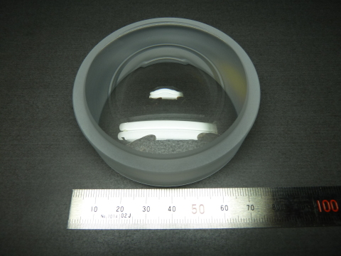 Glass-molded aspheric lens: 75 mm in diameter (Photo: Business Wire)