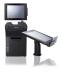 Leichtgewichtig, ergonomisch und vielseitig ist das 8-Zoll-Tablet Posiflex MT-4008W mit abnehmbarem Pistolengriff. Es dient gleichermaßen als mobiles Kassengerät und Datensammler. Mit der optionalen Dockingstation wird das MT-4008W zum traditionellen POS-System. Bildquelle: Posiflex Technology, Inc.