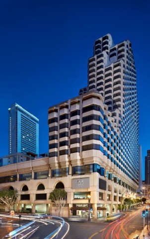 Located in Union Square, guests can easily find shopping, dining and entertainment by the newly opened Parc 55 San Francisco – a Hilton Hotel. (Photo: Business Wire)