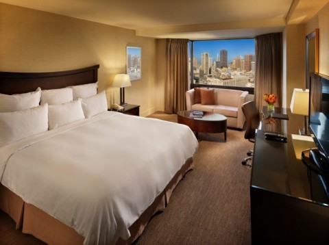 Guests can relax in comfort and style in a King Guest Room at Parc 55 San Francisco – a Hilton Hotel. (Photo: Business Wire)