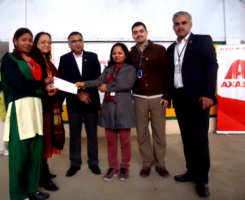 From left to right: PPES recipient (not named), Ms. Renuka Gupta (CEO, PPES), Mr. Sharad Arora (Finance Manager, PPES), Ms. Medha Jain (Human Resources Leader, Axalta), Mr. Mark Khanna (Marketing Specialist, Axalta), Mr. Lokender Pal Singh (Business Manager, Axalta) (Photo: Business Wire)