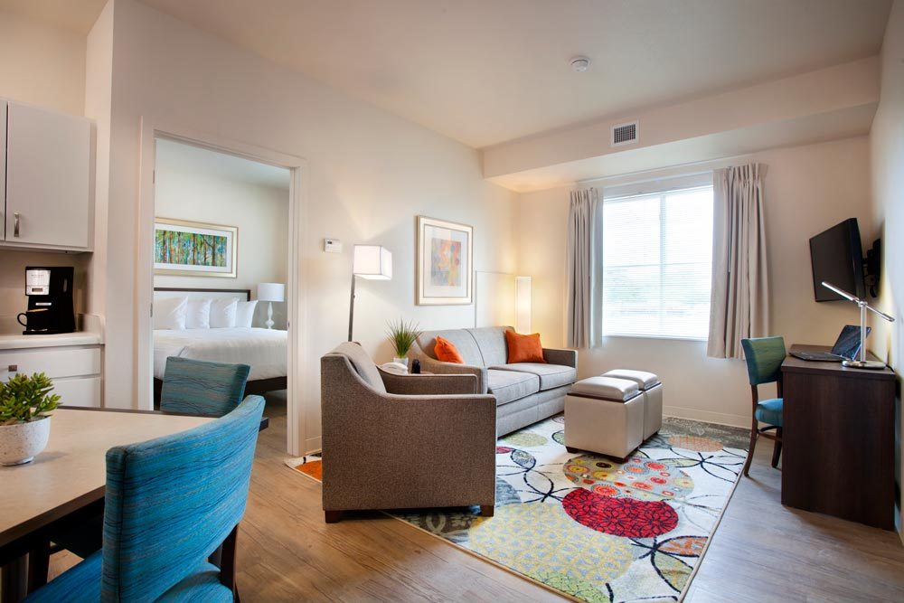 WaterWalk Hotel & Apartments is revolutionizing apartment living with an innovative franchise concept combining the services of a hotel with apartment livability and favorable financing. (Photo: Business Wire)
