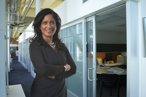 Naureen Hassan, executive vice president and head of the team responsible for Schwab Intelligent Portfolios. (Photo: Business Wire)