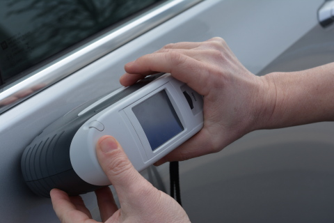 Axalta's AcquirePlus EFX™ hand-held Spectrophotometer (Photo: Business Wire)