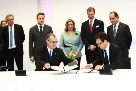 SES与Arianespace签订SES-15卫星发射服务合同,并与空中客车防务及航天公司签订SES-14卫星购买合同 (Photo: Business Wire)