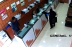 Una Mujer Vestida Como un 'Fantasma' Intenta Robar un Centro de Cambio en Abu Dabi