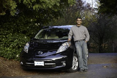 Nissan delivers 75,000th all-electric LEAF in the U.S. to Oregon family (Photo: Business Wire)