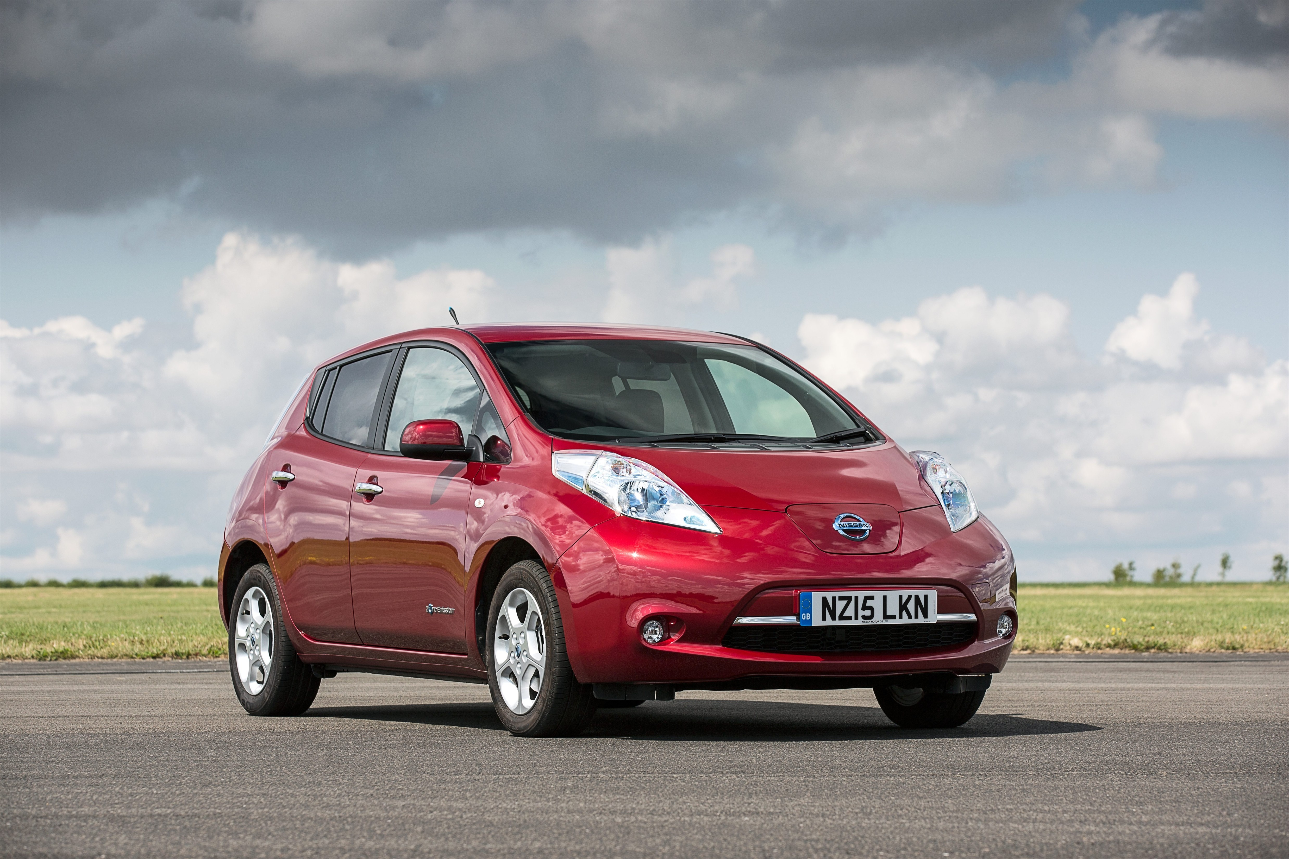 Nissan LEAF Battery Reliably Outperforms Cynics, Critics and ...