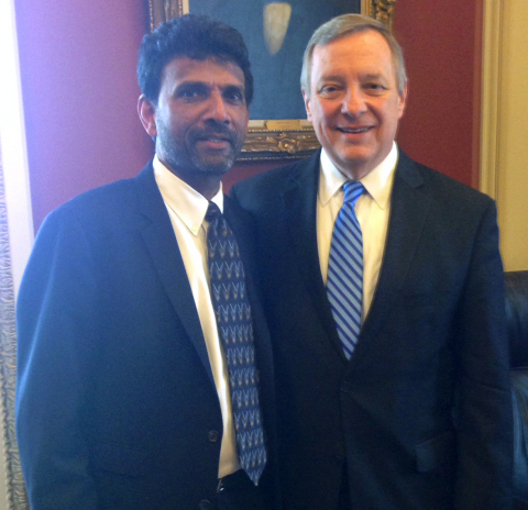 Dr. Siva Sivananthan and Senator Dick Durbin (Photo: Business Wire)