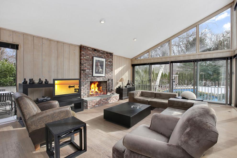 Argyle Executive Forum Rents Hampton House For Employees