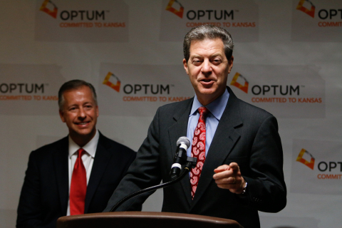Kansas Governor Sam Brownback recognizes the tremendous investment of $10 million dollars in unused life-saving medications by OptumRx through its largest home delivery pharmacy in Overland Park, Kansas. (Photo: Optum)