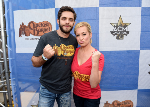 Thomas Rhett and Kellie Pickler Team Captains for Cracker Barrel Old Country Store Country Checkers Challenge (Photo: Business Wire)
