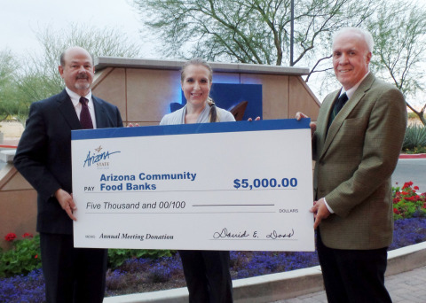 Left to Right: David E. Doss, President/CEO of Arizona State Credit Union, Jaxston Kyle, Corporate Gifts Officer at St. Mary's Food Bank, and Sam Wheeler, Board Chairman of Arizona State Credit Union. (Photo: Business Wire)