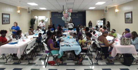 UnitedHealthcare Community Plan of Mississippi hosted a Community Baby Shower for expectant moms and new parents at the Jackson Medical Mall where Charlene Collier, M.D. OBGYN with the University of Mississippi Medical Center shared important information on prenatal and postpartum care. Attendees also received information about UnitedHealthcare's Healthy First Steps case management program and BabyBlocks, a free online wellness-incentive program. (Photo Credit: Jimmy Winstead)