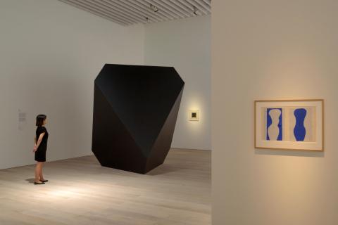 展示風景:「シンプルなかたち展:美はどこからくるのか」(2015年4月25日~7月5日)、森美術館、東京、撮影:古川裕也 (写真:ビジネスワイヤ)
