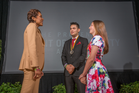 """""""Good Morning America"""" co-anchor Robin Roberts congratulates Conner Hagins, 18, of Johnstown (center) and Hanna Maier, 12, of Prospect Park (right) on being named Pennsylvania's top two youth volunteers for 2015 by The Prudential Spirit of Community Awards. Conner and Hanna were honored at a ceremony on Sunday, May 3 at the Smithsonian's National Museum of Natural History, where they each received a $1,000 award. (Photo: Zach Harrison Photography)"""