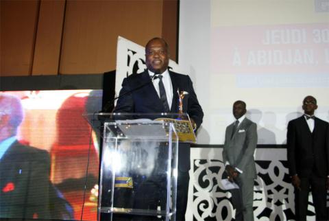 Mr Etoka receiving his award (Photo: Business Wire).
