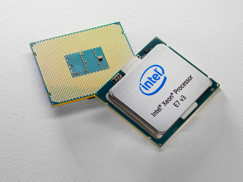 Intel Xeon Processor E7 v3 CPU package top and bottom (Photo: Business Wire)