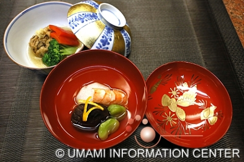 Cuisine examples utilizing Umami - Hiryuzu with vegetables (back) and clear soup (front) (Photo: Business Wire)