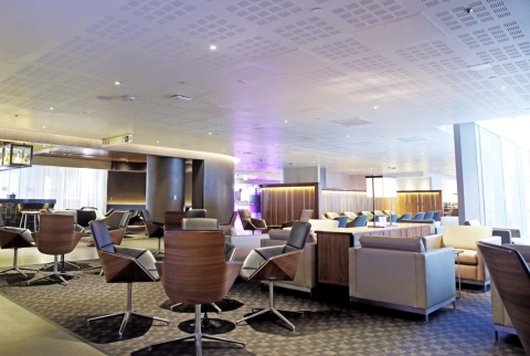 oneworld Business Lounge seating (Photo: Business Wire)
