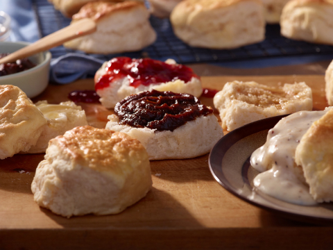 Cracker Barrel Old Country Store Buttermilk Biscuits (Photo: Business Wire)