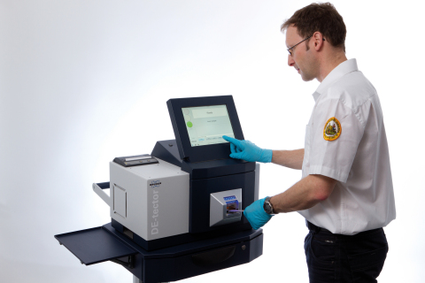 Bruker's DE-tector, an ECAC-CEP Certified benchtop explosives and narcotics trace detector with outstanding performance. (Photo: Business Wire)