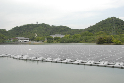 2.3MW floating solar power plant in Kasai City, Hyogo Prefecture (Japan) (Photo: Business Wire)