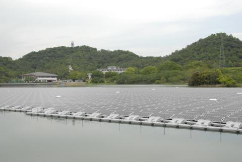 2.3MW floating solar power plant in Kasai City, Hyogo Prefecture (Japan) (Photo: Business Wire)