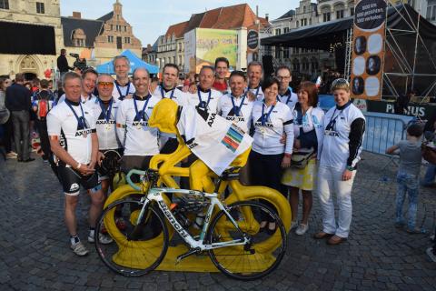 Axalta employees in Belgium cycle to raise money for cancer charity Kom op tegen Kanker (Photo: Axal ...