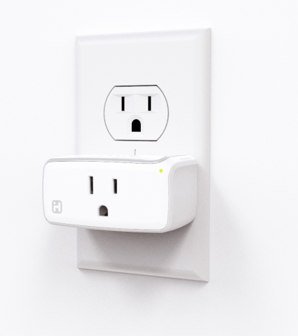 The Apple HomeKit enabled iHome iSP5 SmartPlug will be available for pre-order on iHome.com on June 15(Photo: Business Wire)