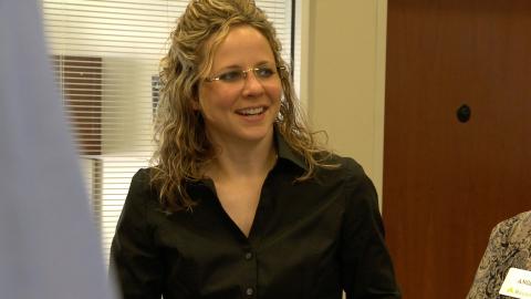 Nicole Elmore, branch manager in Denham Springs, Louisiana, is the June 2015 recipient of the Region