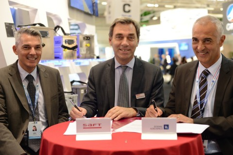 Ghislain Lescuyer, Chairman of the Management Board of Saft, has signed today, a contract with Bruno ...