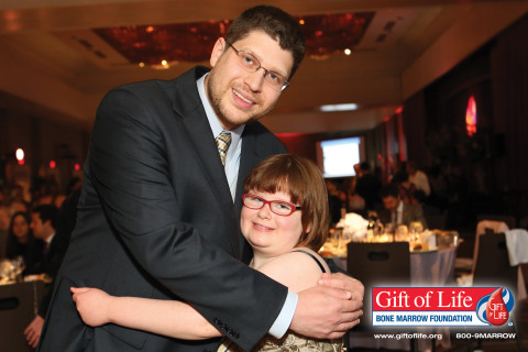 Bone marrow transplant recipient Eve Ferguson meets lifesaving donor Mickey Passman at Gift of Life's 15th Annual Gala in New York City on June 11, 2015. (Photo: David Nicholas)