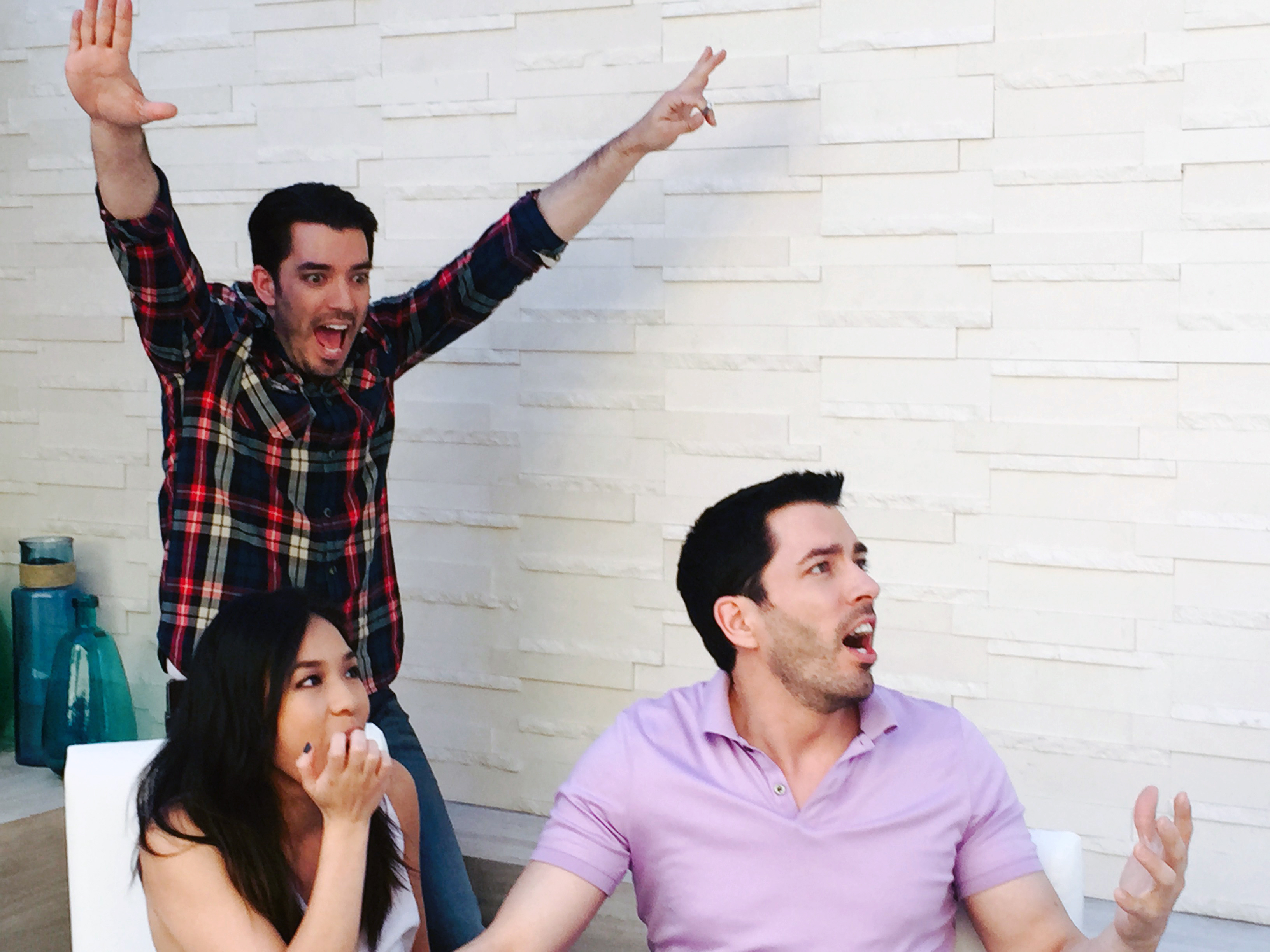 Jonathan Defeats Drew in Final Battle of HGTV\'s \'Brother vs. Brother ...