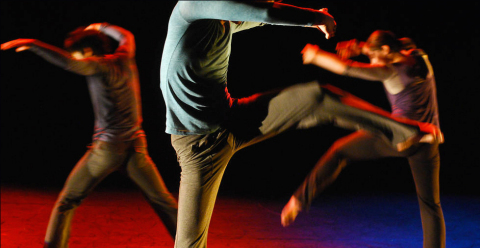 Pennington Dance Group, choreographed by John Pennington (Photo by Frances Chee)
