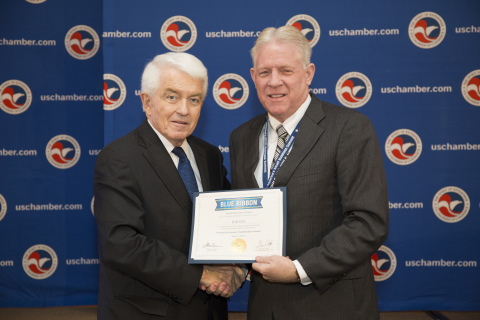 From left: U.S. Chamber President and CEO Thomas J. Donohue presents Jerry L. Mills, B2B CFO's Founder and CEO, with the 2015 Blue Ribbon Award. (Photo: Business Wire)