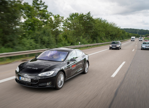 Bosch and TomTom partner on innovative mapping technology for automated driving (Photo: Business Wir ...