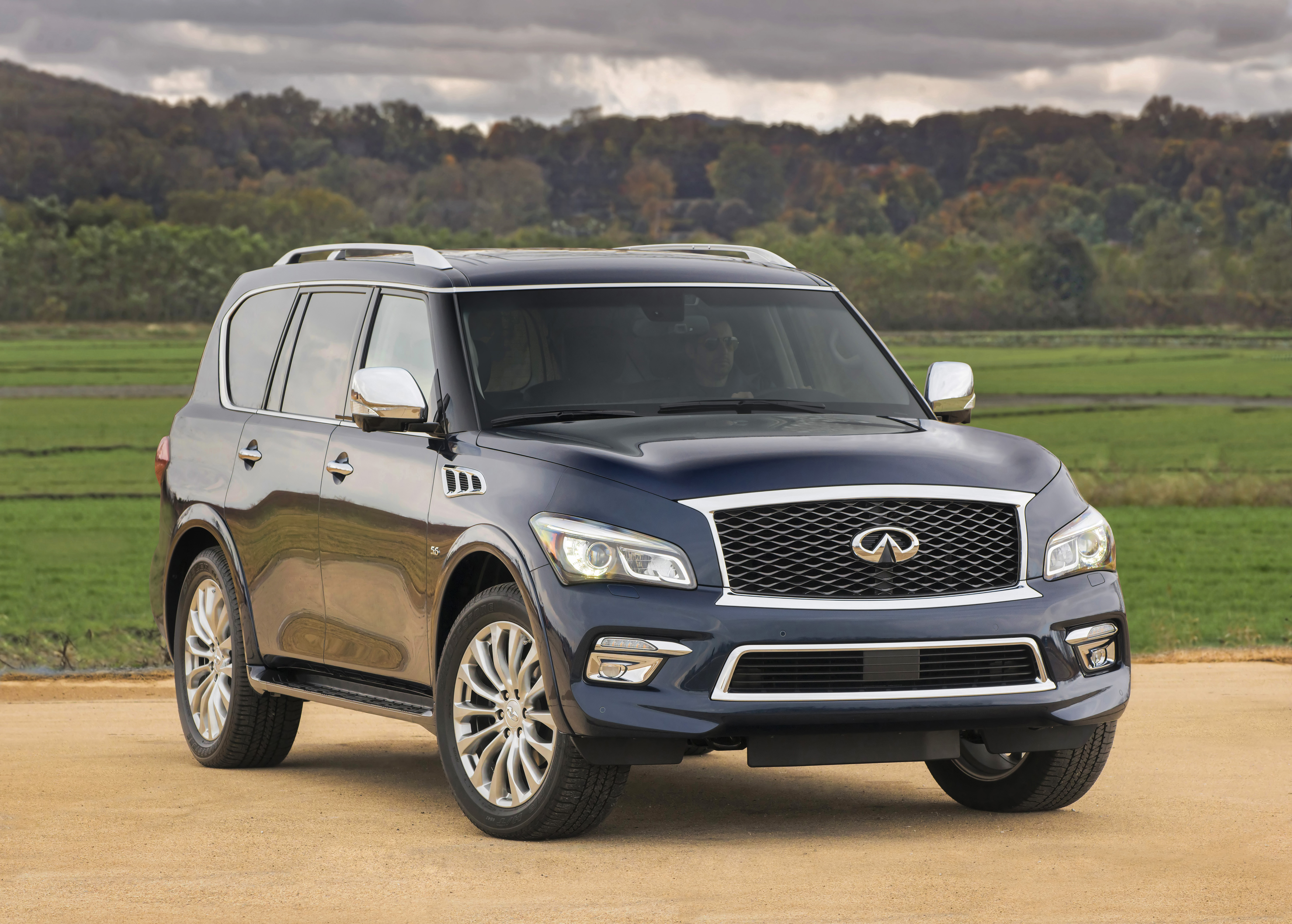 infiniti qx80 rated most appealing large premium suv in 2015 jd power u s apeal study. Black Bedroom Furniture Sets. Home Design Ideas
