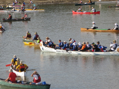 600 paddlers compete in the Missouri American Water MR340 this week -- the longest canoe/kayak river race in the U.S. (Photo: Business Wire)