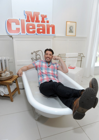 Home renovation expert Jonathan Scott joins Mr. Clean to demonstrate #15MinReno tips and tricks for your bathroom with the Magic Eraser and Concentrated Multi-Surface Cleaner, Tuesday, July 28, 2015 in New York. (Photo by Diane Bondareff/Invision for Mr. Clean/AP Images)